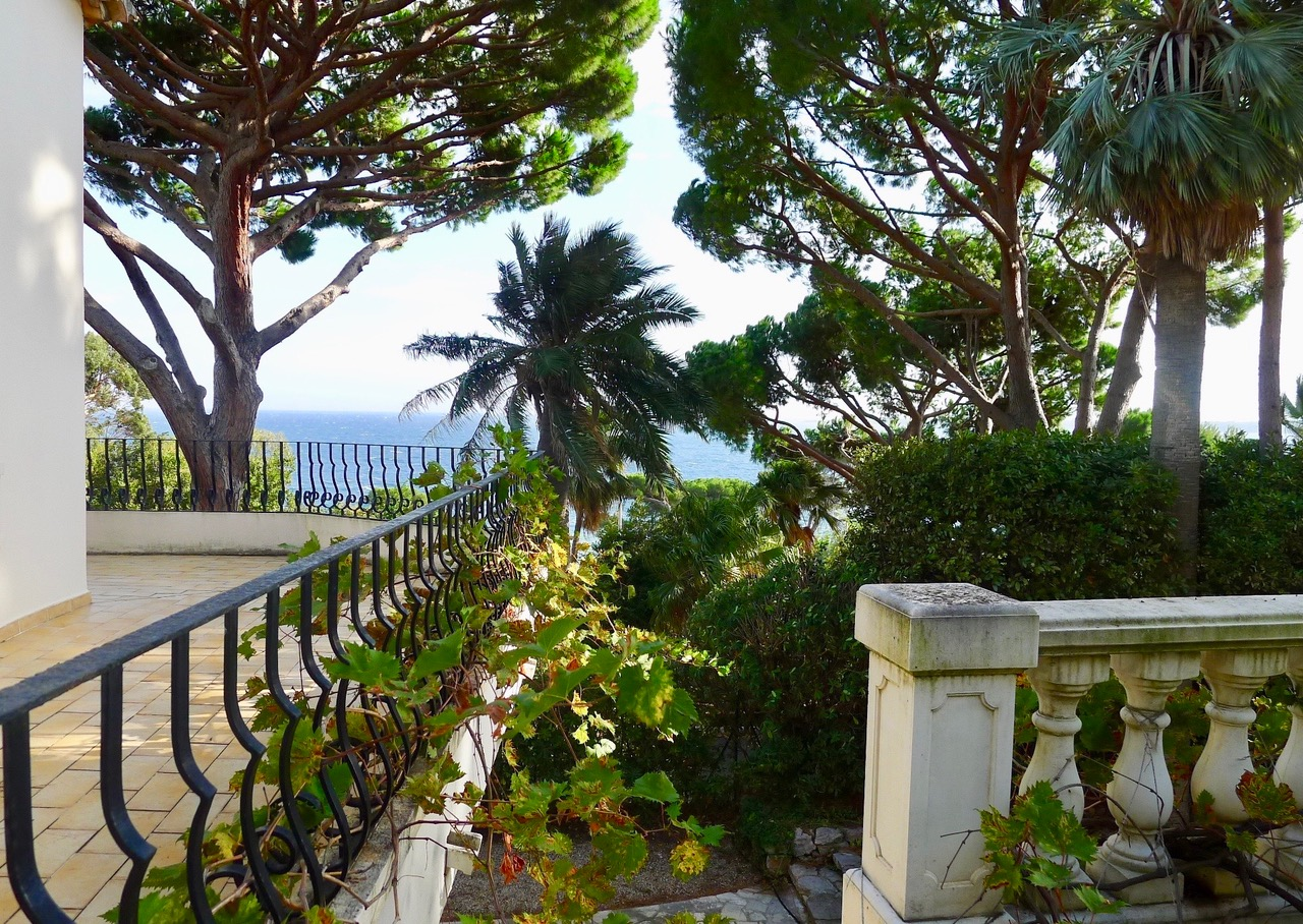 Villa_Cannes_balcony_ Tusculumjpeg