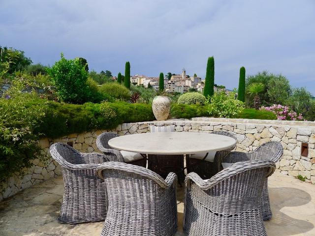 Landhaus_Frankreich_Tusculum_Blick_Villagejpeg