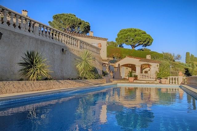 Villa_laroquette_ Schwimmbad_Frankreich_Tusculumjpg