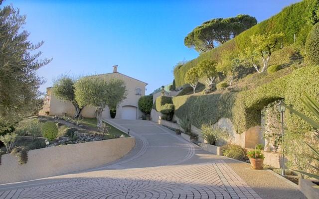 Villa_laroquette_Auffahrt_ Frankreich_Tusculumjpg