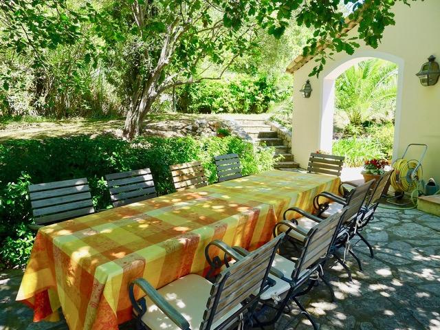 Villa Provence_unter den Eichenjpeg