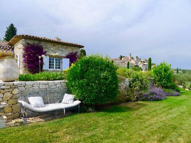 Landhaus_Frankreich_Tusculum_Blick_Dorfjpeg