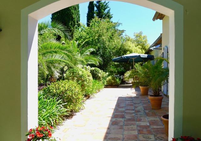 Villa Provence_ ruhige Plaetzejpeg