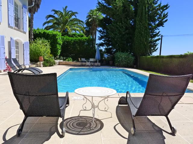 Villa Provence_Entspannung am eigenen Pooljpeg