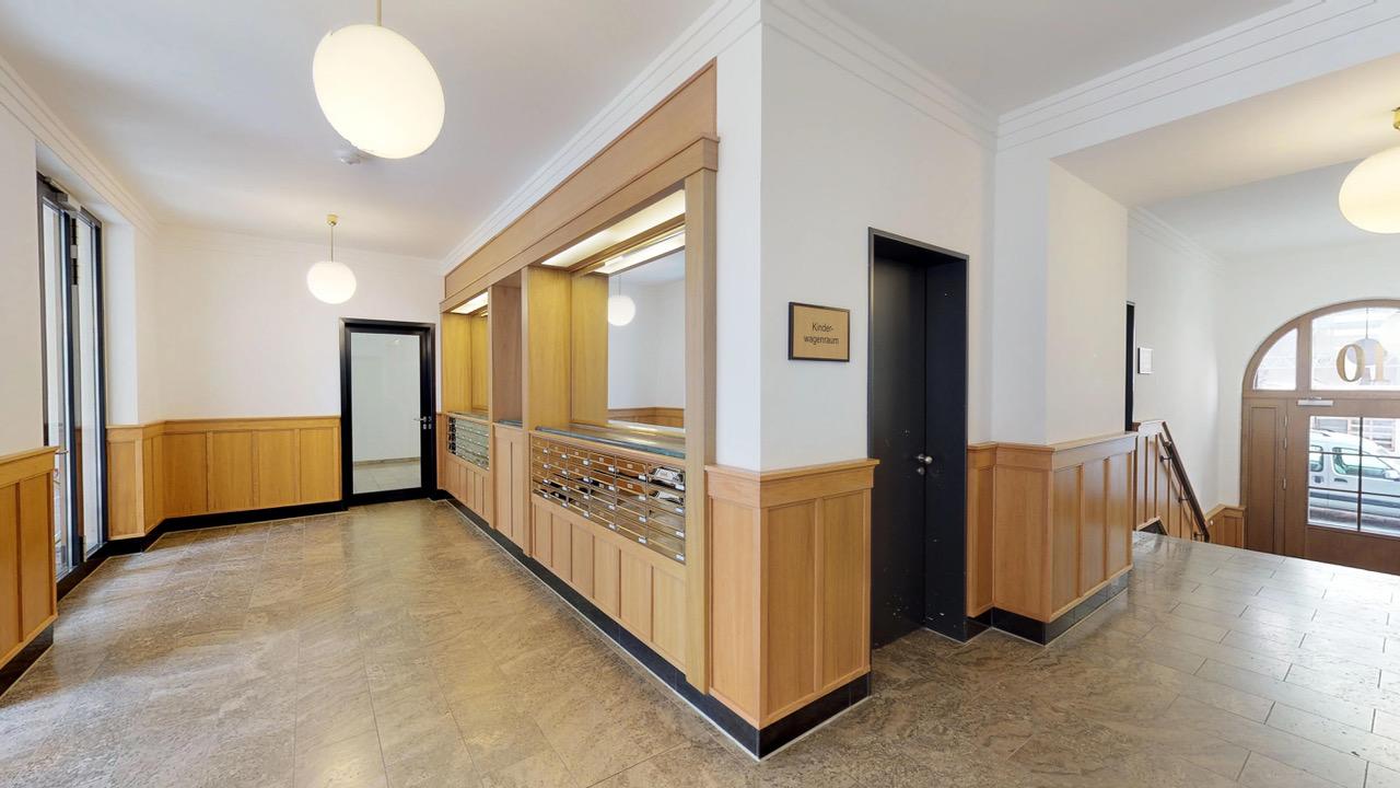 Sensationelles-Penthouse-in-Berlin-Mitte-Eingangsbereichjpeg