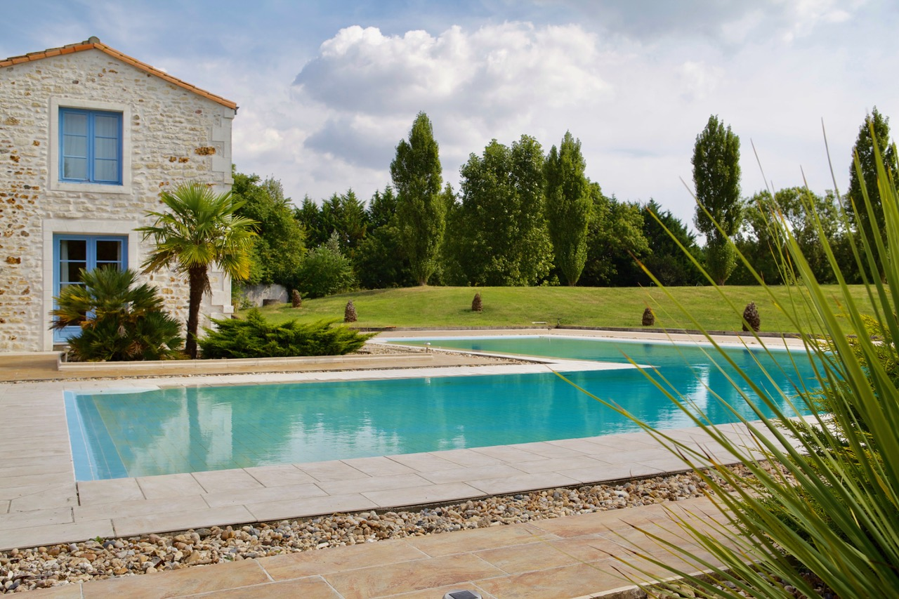 Landgut- Frankreich_Poolhaus_Tusculumjpeg